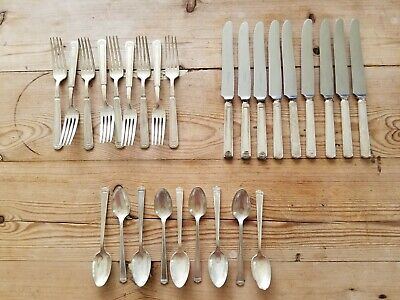 1847 Rogers Bros Anniversary Pattern Silverplate Flatware 27 piece set