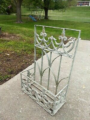Antique Cast Iron Paint Fleur de Lis Metal Window Box Flower Planter Wall Garden