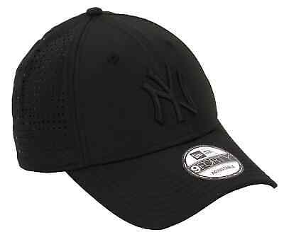 outlet store f7818 4f20a New Era New York Yankees 9FORTY Feather Perf Cap - Black