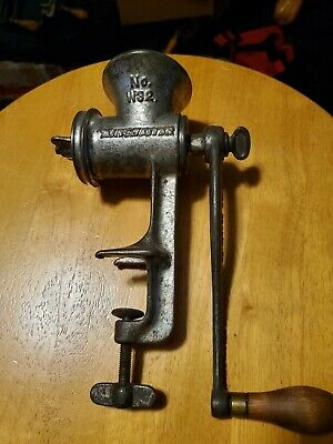 Vintage Winchester Repeating Arms Co. Cast Iron Meat Grinder # W32 Counter Clamp
