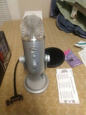 Blue Microphones Yeti USB Wired Condenser Microphone - Silver barely used