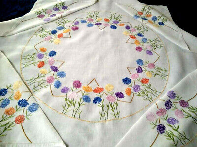 Glorious 'Fairistytch'? Zinnia Flower Circle Hand Embroidered Large Tablecloth