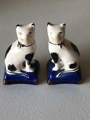 Antique Pair Of English Porcelain Staffordshire Cats Figurines on Pillows