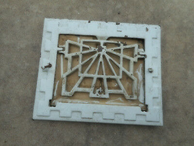 Vintage Furnace Cast Iron Art Deco Room Outlet Grille