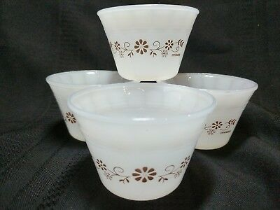 Set of 4 Custard Cups Termocrisa Dynaware White Milk Glass Mexico Brown Daisy