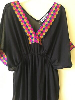 Ladies Pretty Beach Cover Up Swim/ Summer Holidays BNWT Sz S/M Long Length