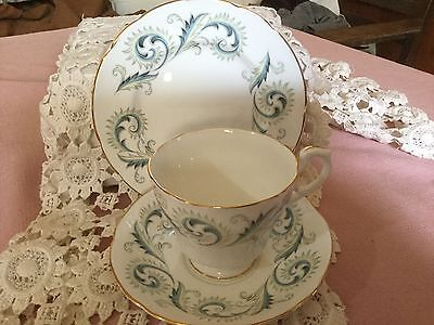 "Royal Standard Bone China Trio Cup /Saucer/6"" Plate England    Garland Pattern"