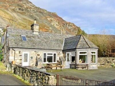 North Wales Holiday Cottage Sleeps Up To Six  End May 4 Night Mid-Week Break
