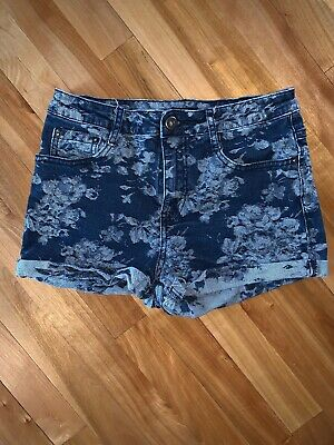 47c5d2d75b Forever 21 Womens Size 27 Floral Pattern Medium Wash Cuffed Denim Shorts