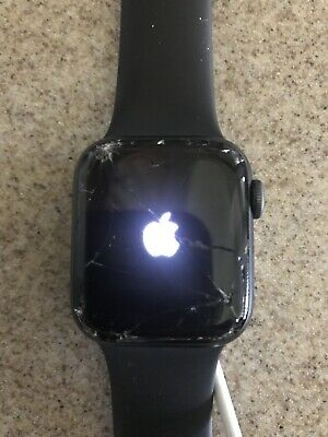 Apple Watch Series 4 40mm  GPS Aluminum case *CRACKED SCREEN* 100% Functional