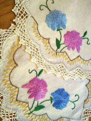 2 x Matching Stunning Sweetpea Flowers ~ Vintage Hand Embroidered Doilies
