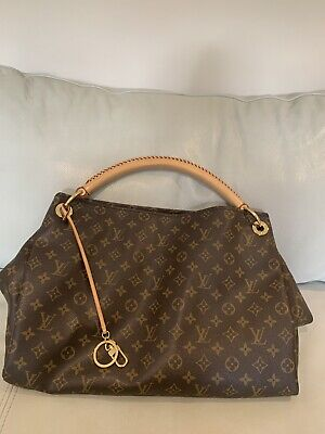 d076d2aa2352c LOUIS VUITTON MONOGRAM Artsy MM Bag Purse ~ A roomy work of art ...