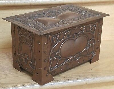 C.1910 Antique Arts & Crafts Hammered Copper Repousse' Casket Box Stickley Era