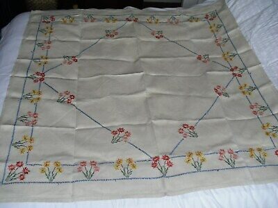 ANTIQUE/VINTAGE WHITE HAND EMBROIDERED COTTON TABLECLOTH FLORAL 49 x 49 INS.