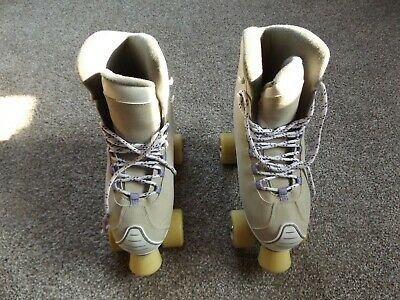Girls roller boots Size 5, Excellent Condition