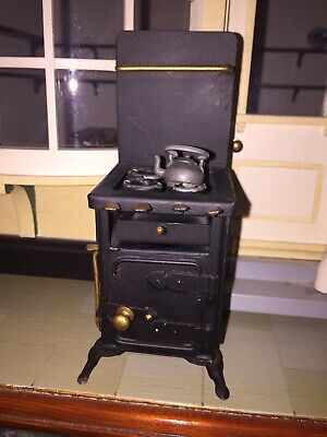 Vintage Antique-Styled British Hand-made Miniature Cast-Iron Stove