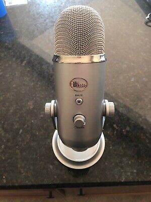 Blue Microphones Yeti USB Wired Condenser Microphone - Silver * Pre-owned*