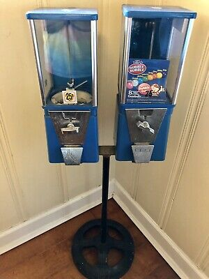 VINTAGE DOUBLE BARREL STANDING  GUMBALL MACHINE .25 Cents