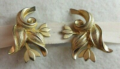 """Large Vintage (Tulip?) Flower Clip Earrings Textured Gold Tone 1 5/8"""" x 1 1/4"""""""