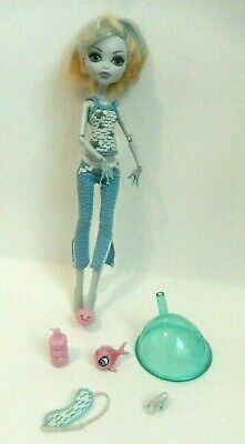 MONSTER HIGH Lagoona Blue Dead Tired From The Hydration Station (no Station)