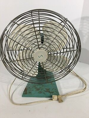 Vintage Superior Electric Products Corp. Oscillating Table Fan Light Green