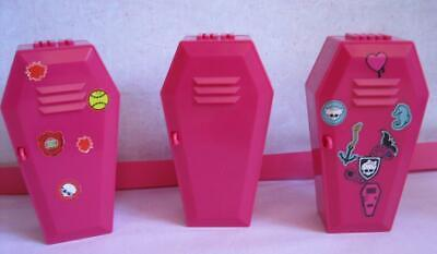 LOT 3 Monster High Doll Ghoulia Yelps Pink COFFIN Locker Deaducation CLASSROOM