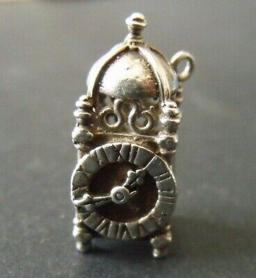 VINTAGE STERLING SILVER CARRIAGE CLOCK CHARM.  4.2g  25mm.   CH1