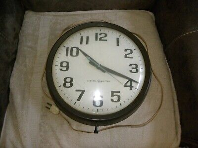 """GENERAL ELECTRIC - Electric CLOCK 11 1/2"""" FACE ***WORKS*** Pre-1965 vintage"""