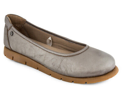 Hush Puppies Women's Brave Shoe - Taupe Metal MY670