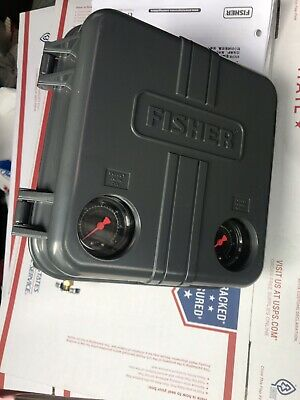 New Fisher  Pneumatic Controller With Pressure Regulator