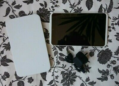 Tesco Hudl 2 16GB, Wi-Fi The Dreamy White One fab condition!