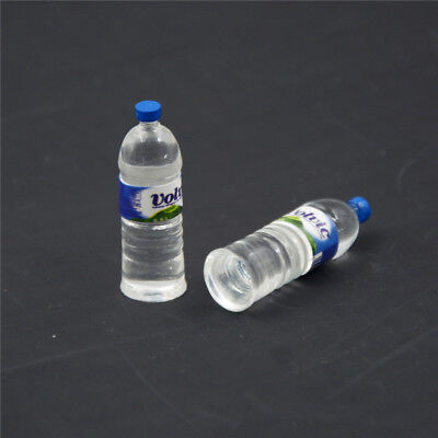2pcs Bottle Water Drinking Miniature DollHouse 1:12 Toys Accessory Collection ES