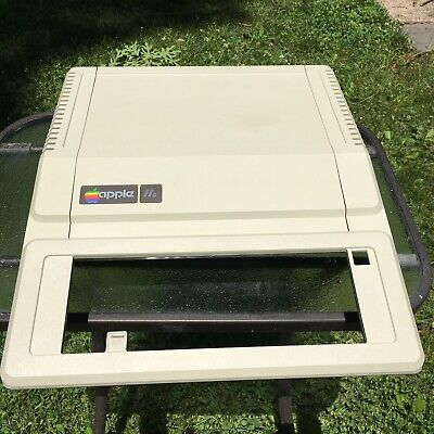 Restored Apple IIe Upper Case and lid. factory bright. Make your IIe look NEW!