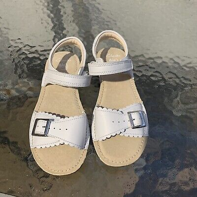 Girls Clarks White Leather Sandals Size 1 F