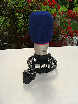 AKG Cardioid Condenser Microphone Large Diaphragm with Shockmount