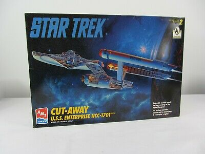 AMT Star Trek U.S.S.  Enterprise NCC-1701 Model Kit Skill 2 in Open Box