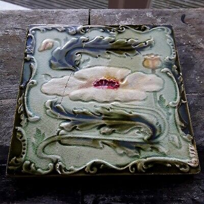 Victorian Tile Of A Water Lily