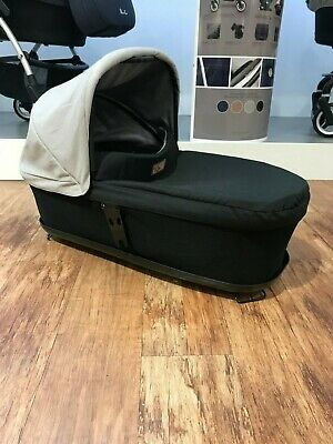 Mountain Buggy Terrain Carrycot Grey/Black *RRP £169.99* *NOW £99.99* SAVE £70