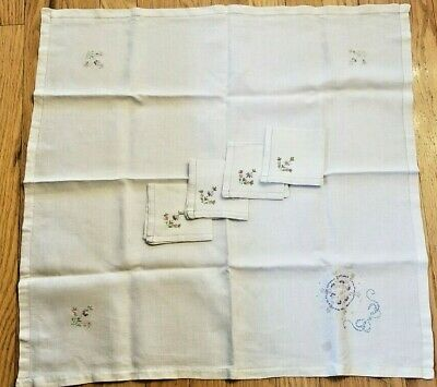 """Vintage Hand Embroidered Linen Tablecloth 32"""" Square Floral Theme w/4 Napkins"""