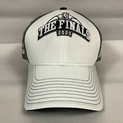 Brand New The Finals NBA Basketball Embroidered 2009 Adidas Hat White / Gray