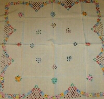 Vintage Linen Table Cloth Embroidered Floral Pattern Square 83 x 83 cm
