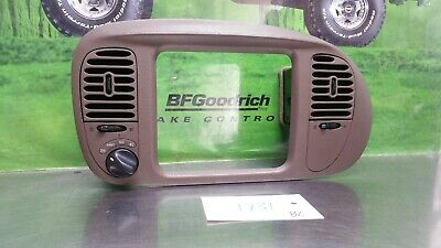 FORD F-150 RADIO 1998 AM FM Cette Player w Auxiliary mp3 ... on