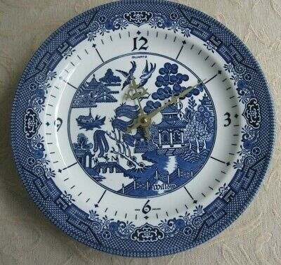 Churchill BLUE WILLOW porcelain WALL CLOCK battery operated WORKS WELL