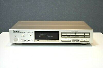 PIONEER F-550 RDS Digital Synthesizer Tuner  Top Zustand
