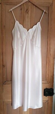 VTG Glossy Slippery Satin Nightdress Slip Negligee Silky Nightie Pale Pink