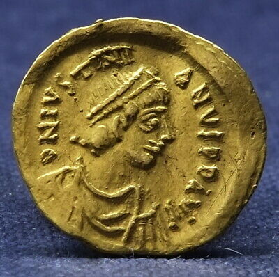 Gold Tremissis, Justinian I, Ad 527 - 565. Constantinople Mint. Choice Example.