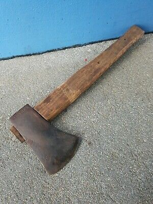 Vintage ***Elwell *** Hatchet - Good condition