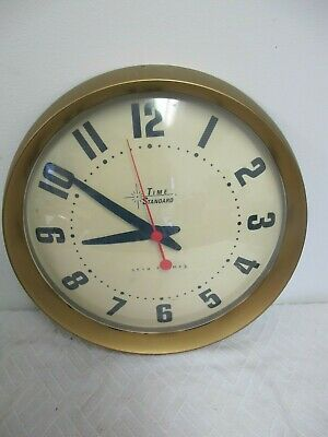 Seth Thomas Bubble Wall Clock Battery Operated Time Standard 13""