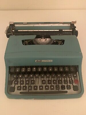 Fully Functional Vintage Olivetti Lettera 32 Typewriter And Ribbon