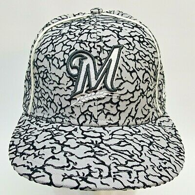 on sale 27ba6 dbd16 Milwaukee Brewers Fitted Hat Size 7 3 8 Gray Black 59Fifty New Era MLB Cap